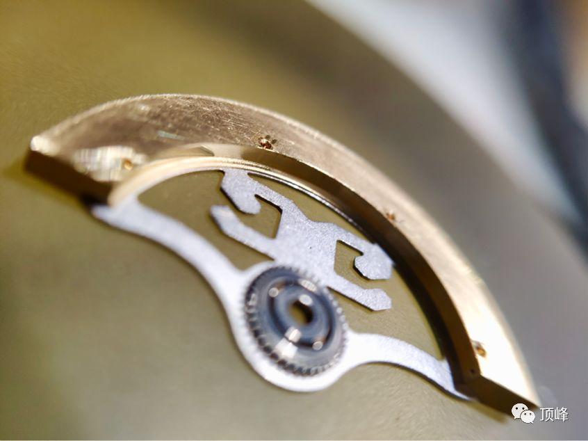 蝈蝈聊表——分享格拉苏蒂偏心系列自产机芯的细节